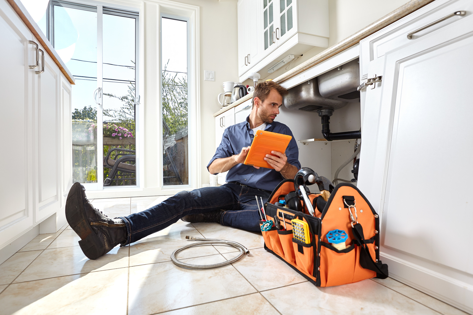 7 Key Questions to Ask Before Hiring a Plumber